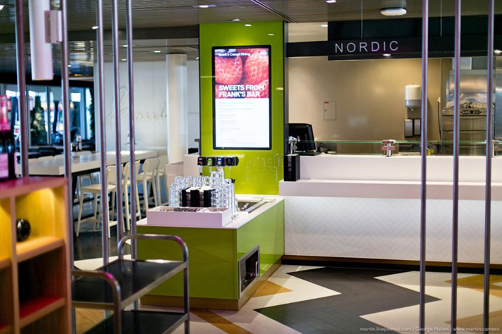 17. В ресторанах со шведским столом меню обновляется четыре раза в год: весной, летом, осенью и