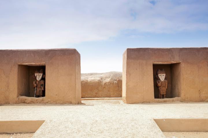 Чан-Чан, Перу. Под угрозой с 1986 года.