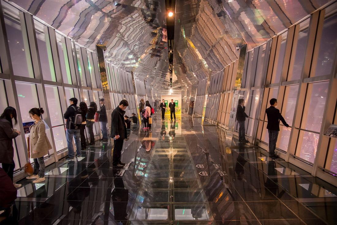Такой вид с обзором на все 360 градусов открывается в одной двух обсерваторий Токийской башни, возвы