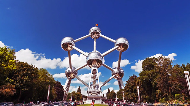 Atom-Lapse: A Timelapse of Andre Waterkeyn's Iconic Atomium Building (3 pics)