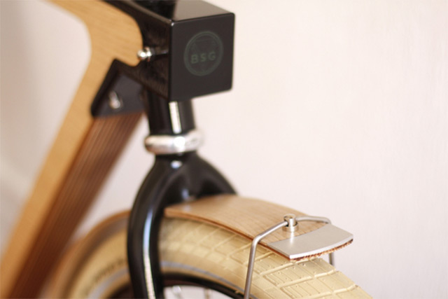 The WOOD.b is a new urban bicycle designed by Strasbourg-based BSG in partial collaboration with Thi