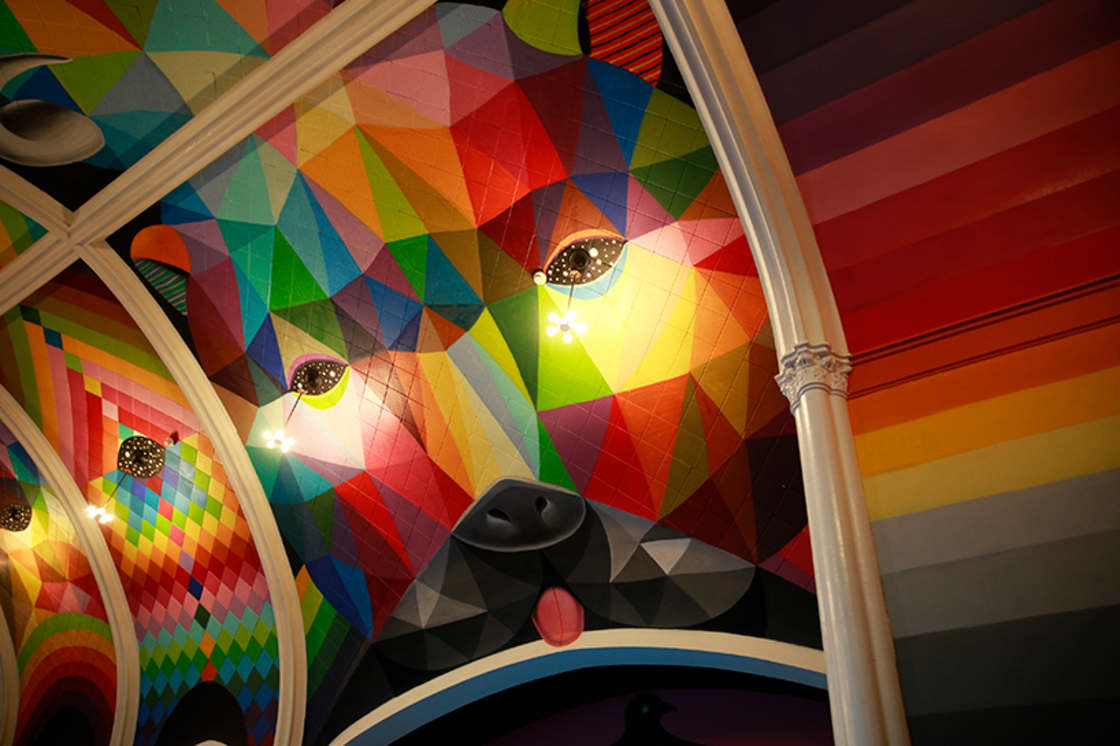 Street Art - Okuda paints a church dedicated to the consumption of cannabis