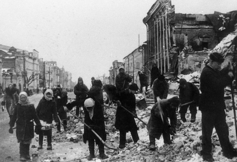 Жители Курска на расчистке городских улиц. 43.jpg