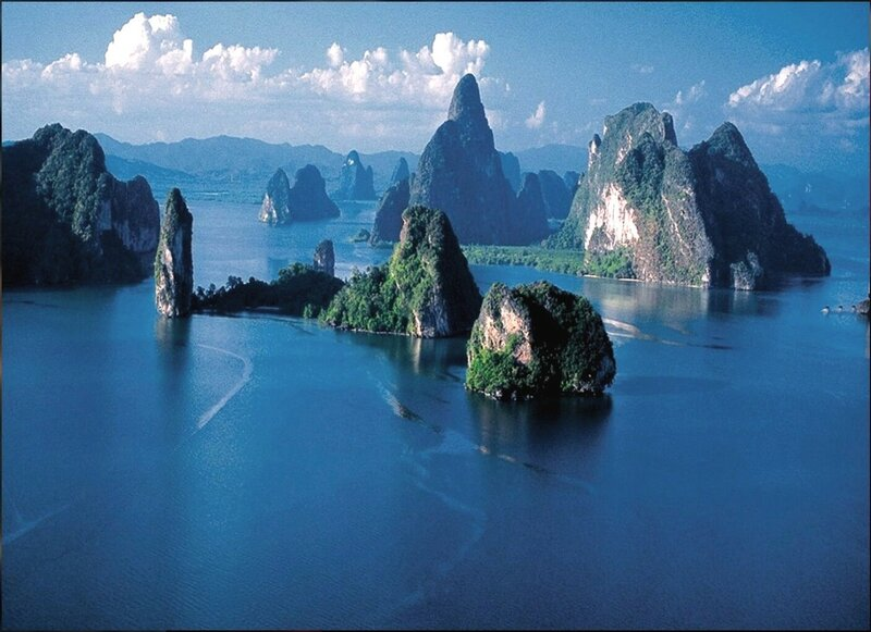 В заливе Пханг Бэй. Андаманское море. Таиланд - 01.jpg