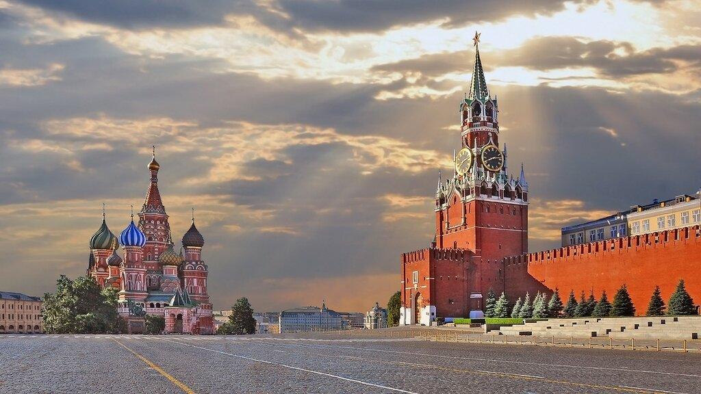 kremlin-moskva-rossiia-kreml-moscow-krasnaia-ploshchad.jpg