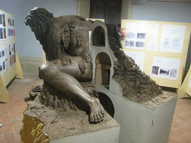 Скульптура «Аллегория Апеннин». Италия, Флоренция