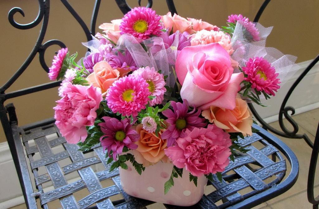 Красивый букет цветов фото утром