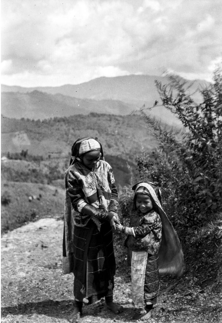 1005. Мать и дитя
