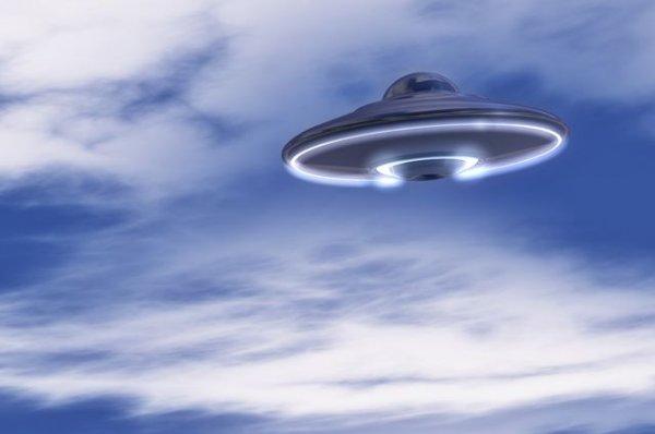 С днем уфолога и НЛО. Тарелка-корабль открытки фото рисунки картинки поздравления
