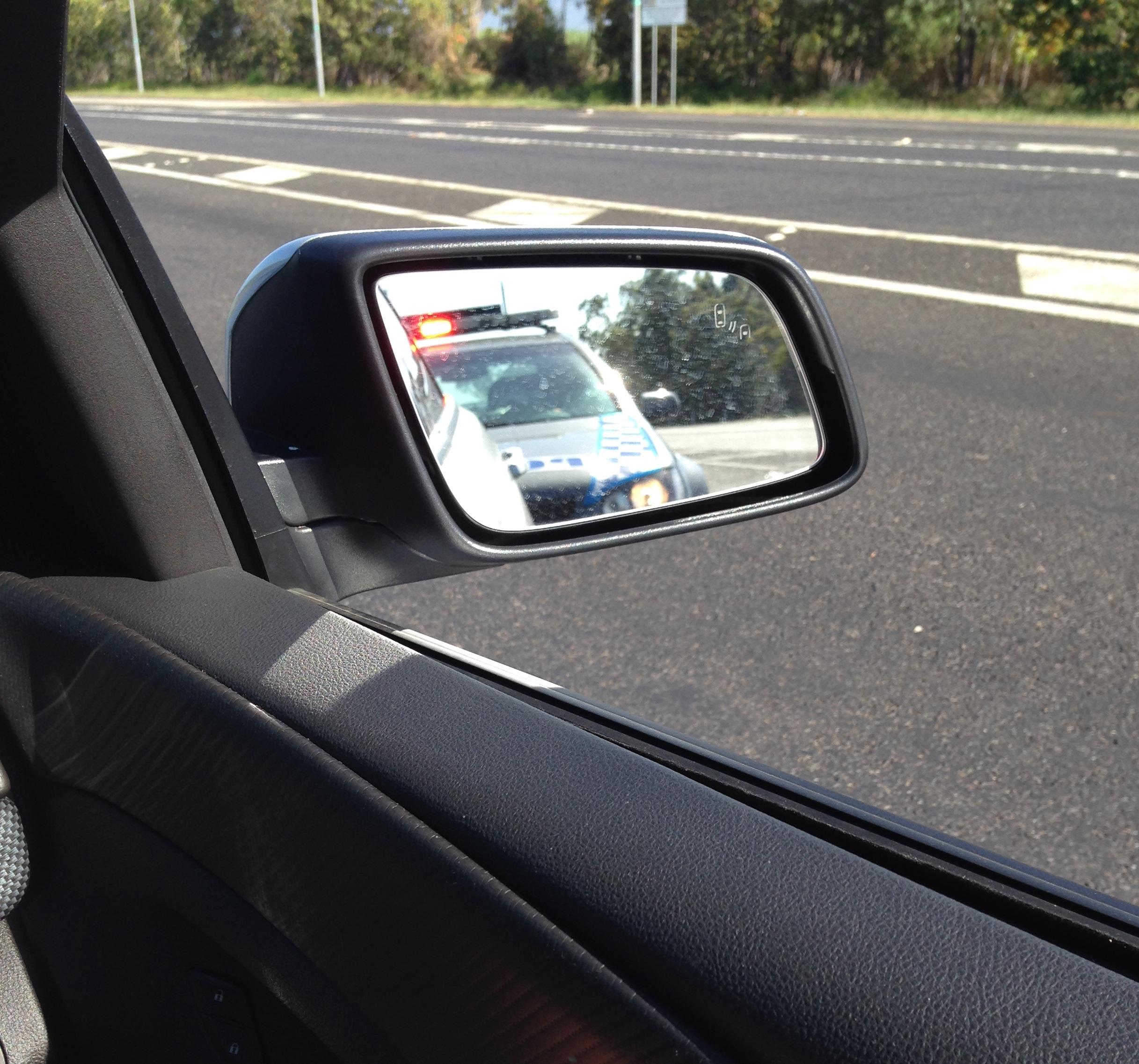 «Взял машину напрокат, чтобы хоть немного повеселиться. Тут же остановили и оштрафовали».