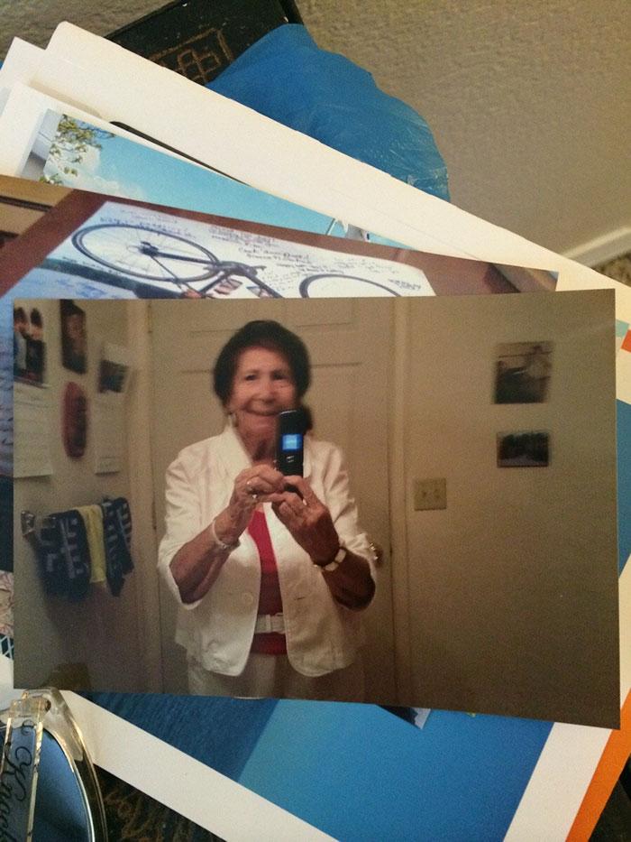 «Бабушка прислала мне этот бумажный снимок по почте. Самое медленное фотосообщение!»