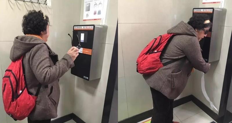 В Китае борются с одной из главных проблем памятников культуры — ворами туалетной бумаги (5 фото)