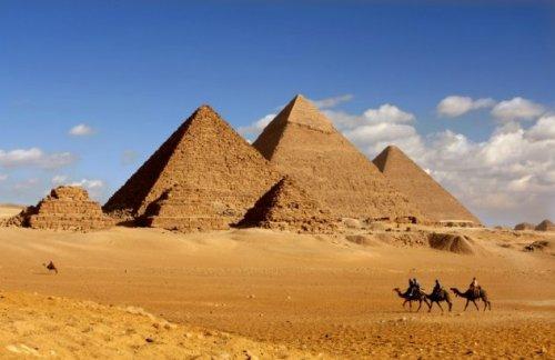 Топ-10: свидетельства в пользу встречи древних египтян с инопланетным разумом (10 фото)