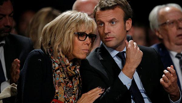 Падчерица Макрона заступилась забудущую первую леди Франции