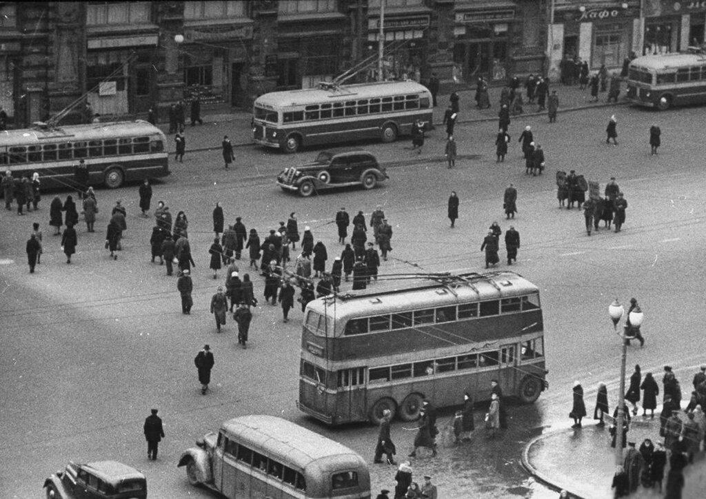 Двухэтажный троллейбус 47.jpg