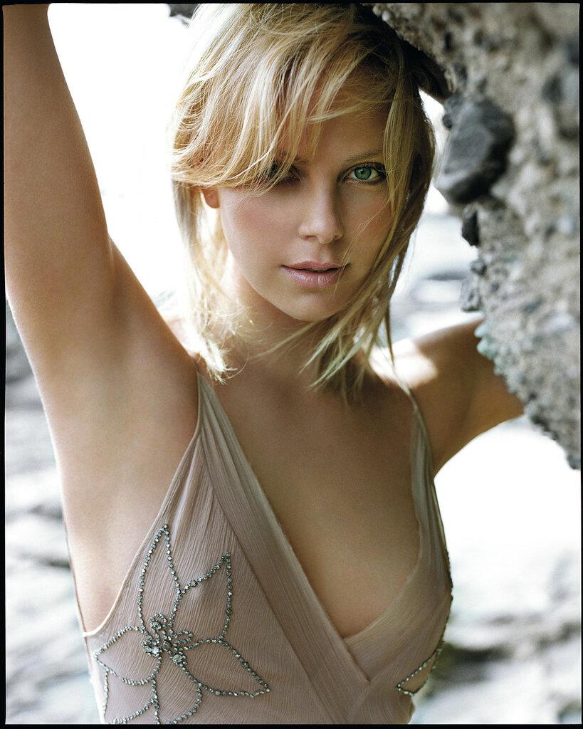 Charlize-Theron-HQCelebrities.COM__1889_.jpg