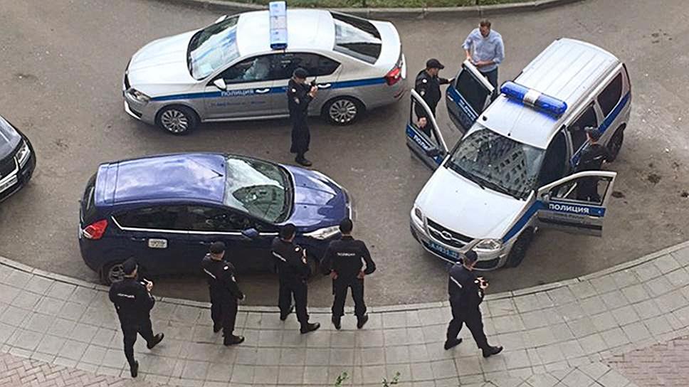 Задержание Алексея Навального перед началом акции на Тверской 12 июня, 2017(1)Фото: AP