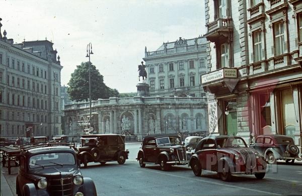 stock-photo-albertina-museum-vienna-austria-statue-cars-steyr-50-1936-luxury-rolls-royce-cart-8236.jpg