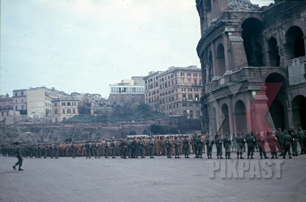 stock-photo-rome-italy-1944-captured-pow-american-colosseum-camo-darby-12335.jpg