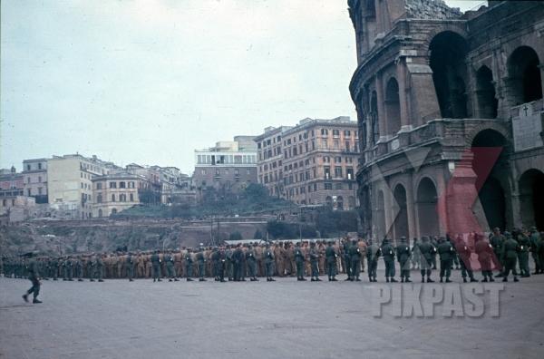 stock-photo-rome-italy-1944-captured-pow-american-colosseum-camo-darby-12335.jpg
