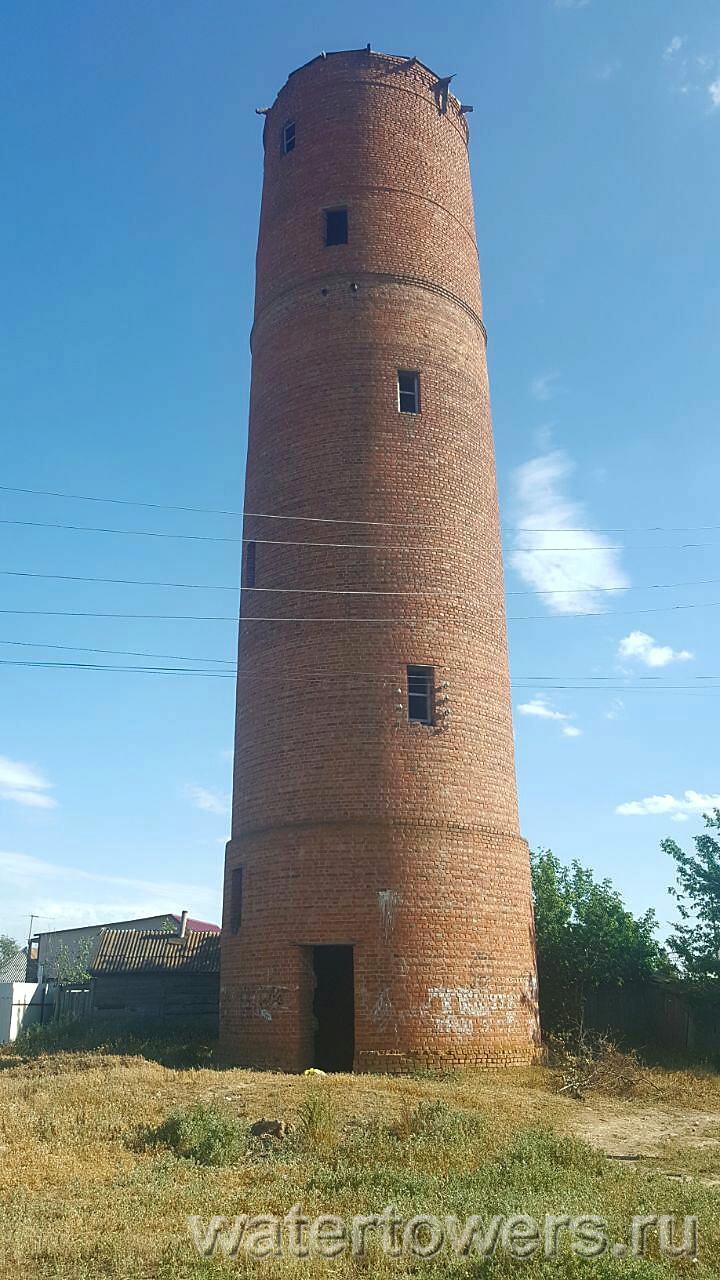 Водонапорная башня в Астраханской области