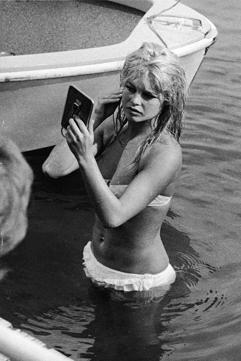 Брижит Бардо, озеро Женева, 1961.