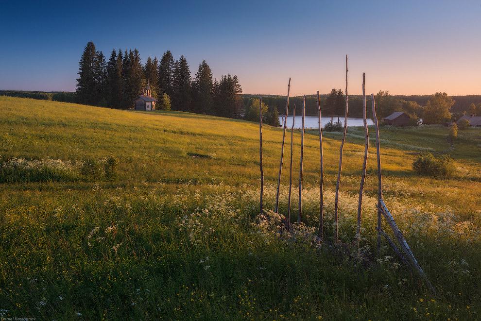 34. По дороге с Кенозера мы заехали в два села: Архангело и Морщихинская. В обоих — древние цер