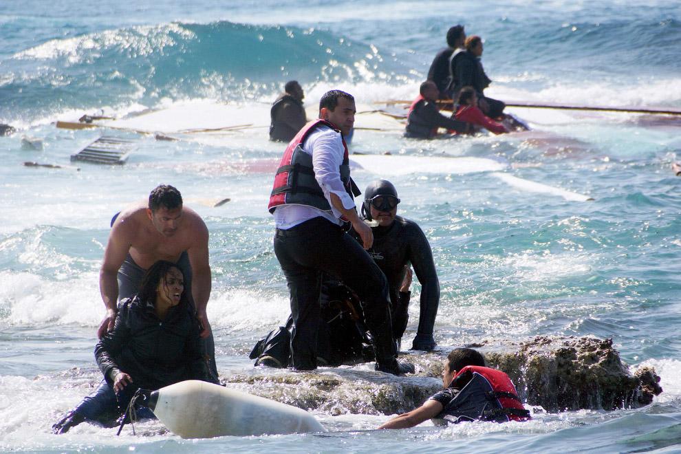 20. Конец пути. Кладбище для мигрантов на острове Лампедуза, южная Италия, 14 мая 2015. (Фото A