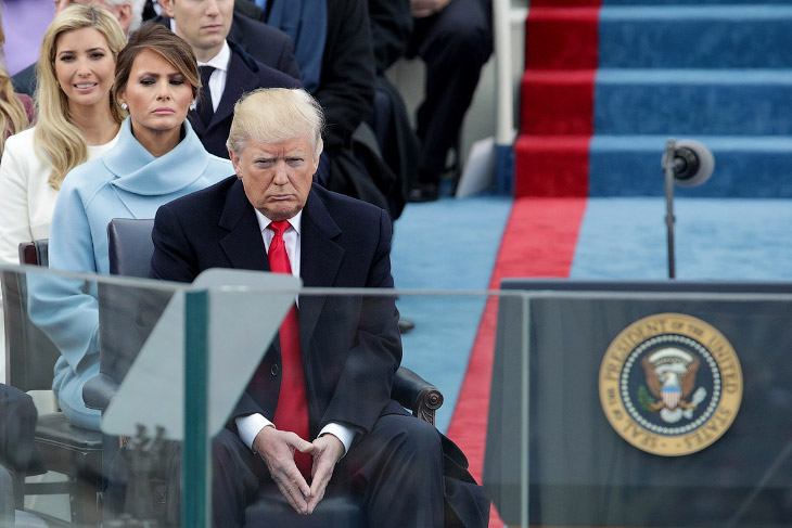 2. Бал в честь нового президента США, первый танец за Трампом с женой Меланией, 20 января 2017. (Фот