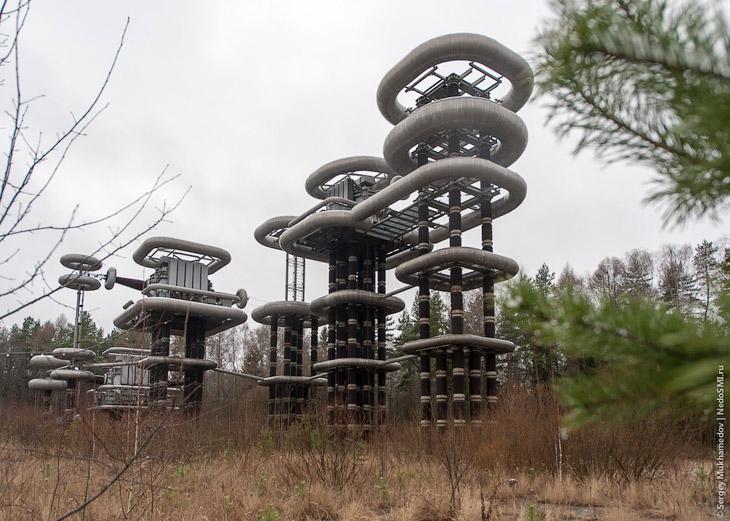 Так же как и лаборатории Николы Теслы, эти конструкции из будущего были страшно секретными: