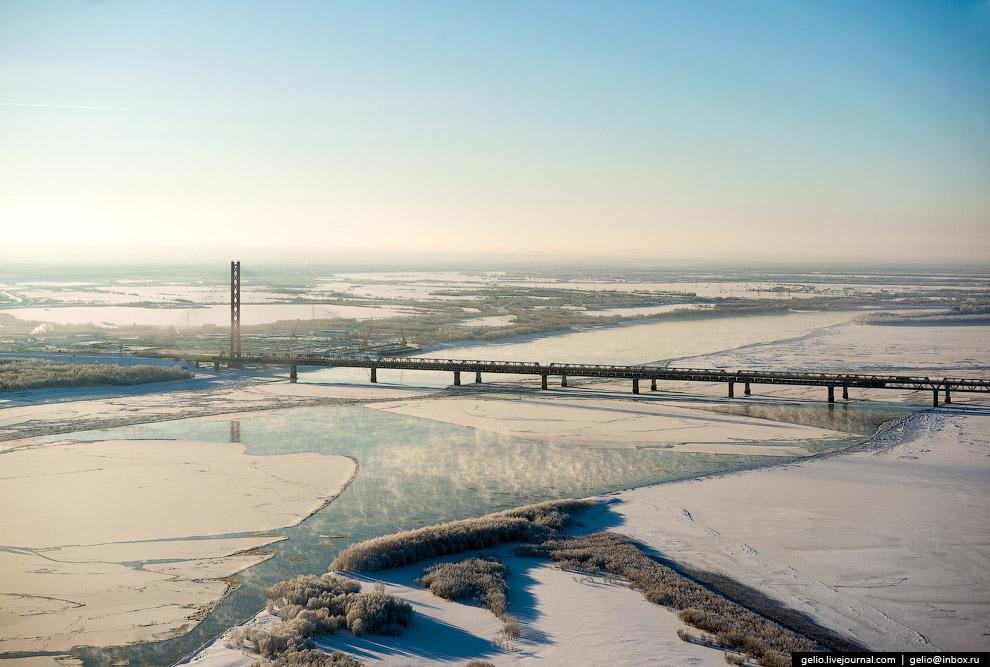 45. Югорский мост внесён в Книгу рекордов Гиннесса: он имеет самый большой центральный пролёт,