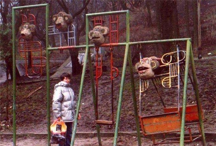 Головы казненных обезьян, выставленные во устрашение неверующих.