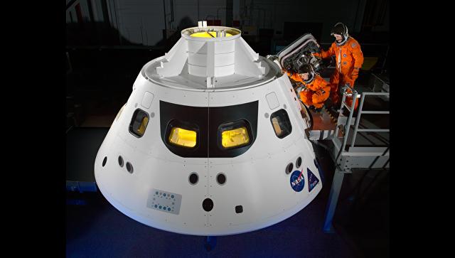 США проверят морскую систему спасения для космических кораблей Orion