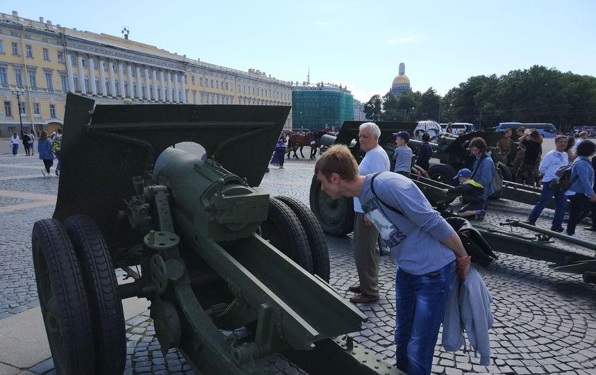20170808_16-55-Военная техника прибыла на Дворцовую площадь~pic10