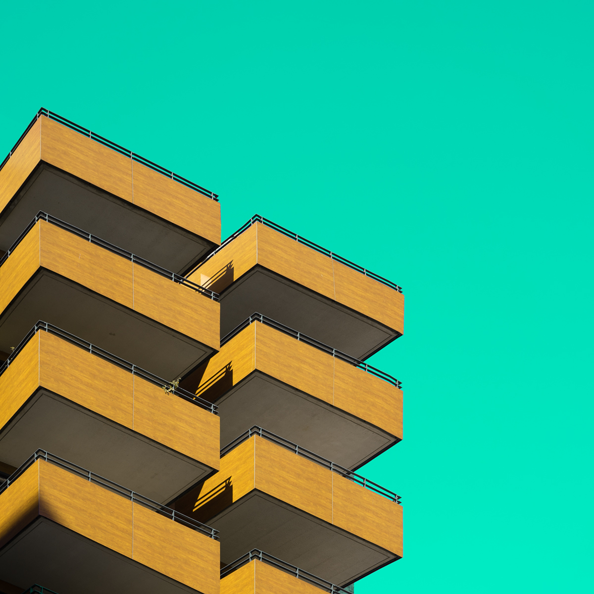 Minimal Colorful Squares of Hamburg Architecture