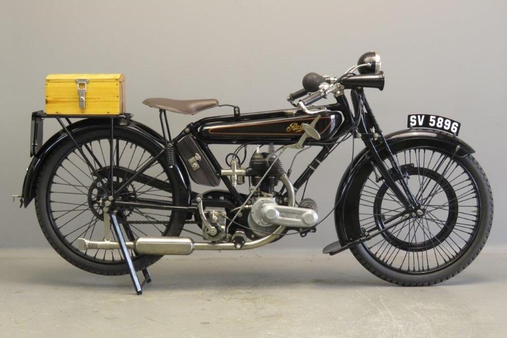 Старинный мотоцикл Raleigh SV Model 6