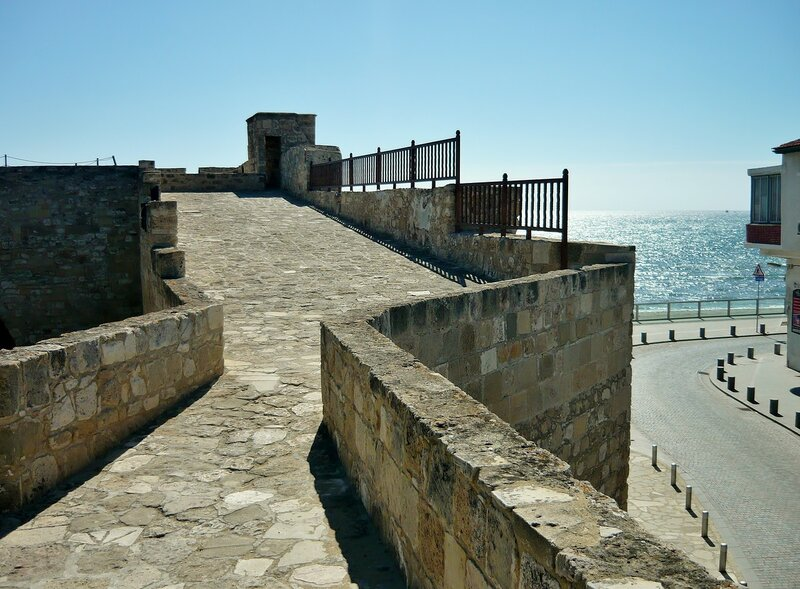 Подъём на крепостную стену