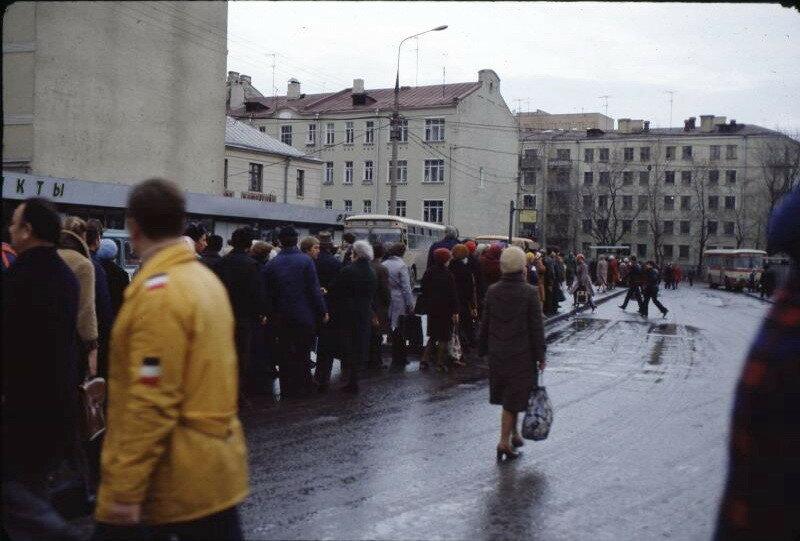 212222 У ст. метро «Новослободская» 81.jpg