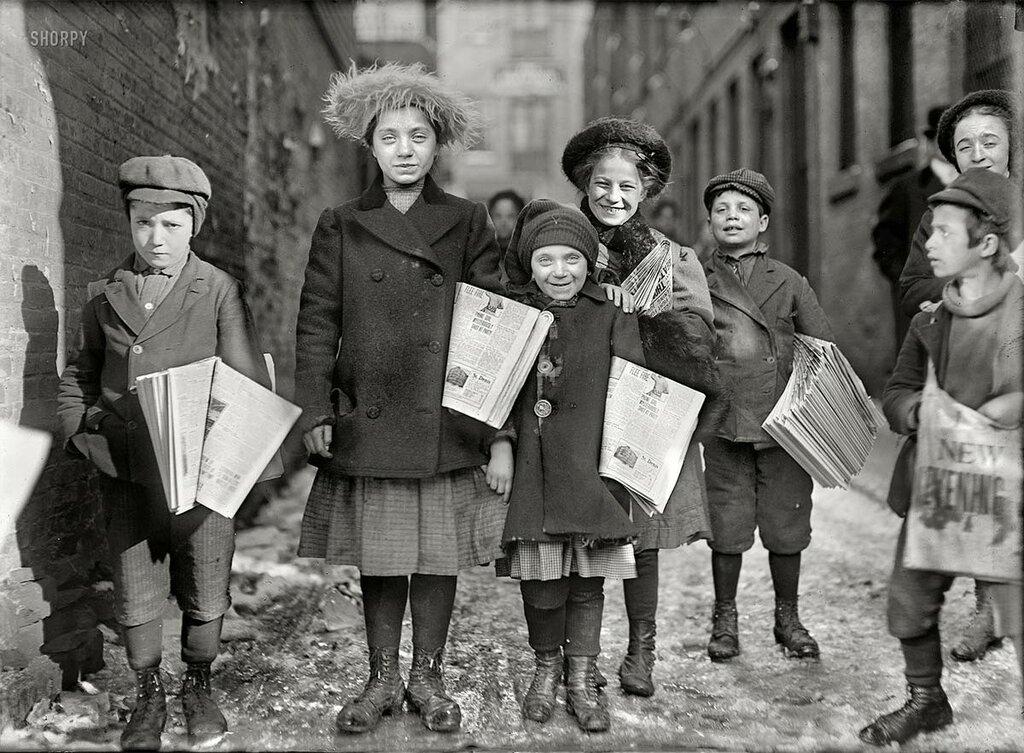 1909 США Продавцы газет.jpg