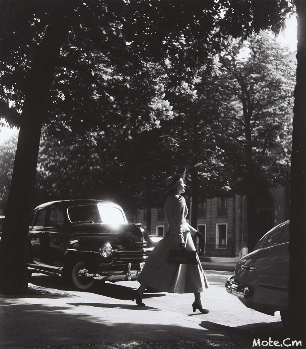 1948. Элегантная женщина на авеню Монтень