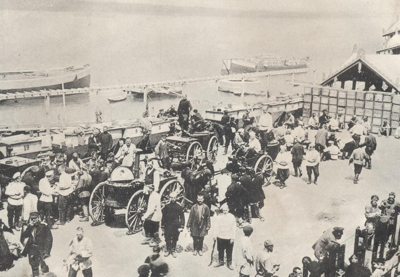 Задний двор во время мобилизации 1904