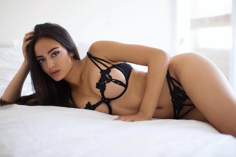 kartinki-seksualnih-devushek-v-nizhnem-bele-video-zhirnie-telki-pezdi-porno