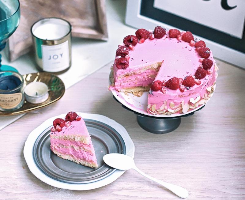 как приготовить кекс с розовым кремом
