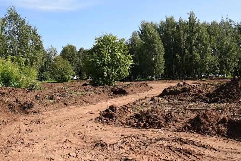 В Кочуровском парке появится фонтан и 300 деревьев