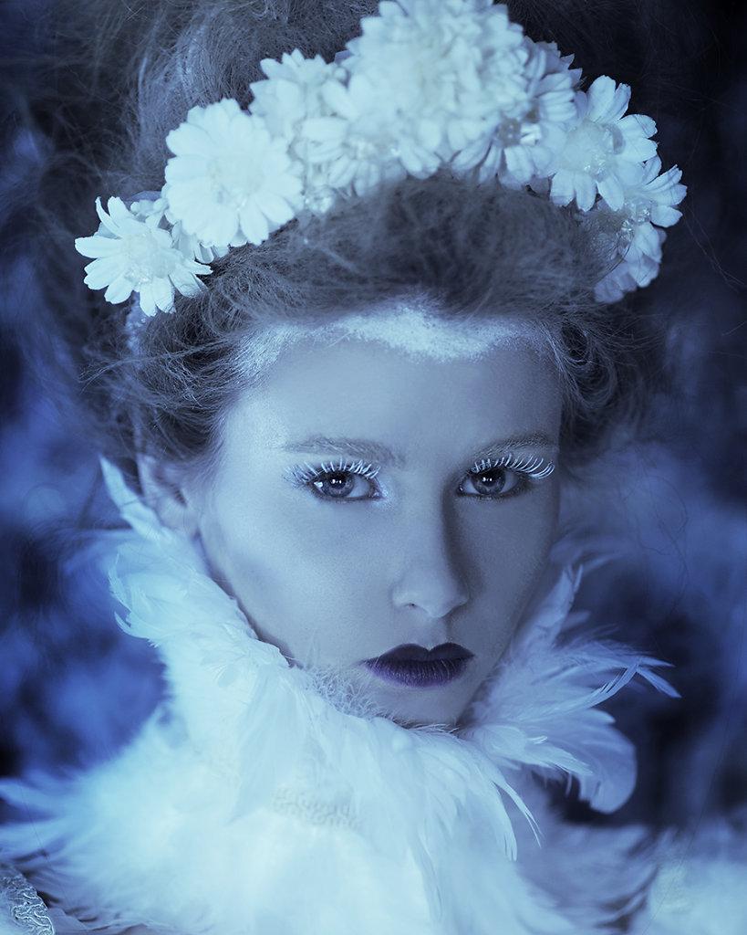 Фотопрект «Таинственный сад». Потрясающие сюрреалистические портреты фотографа Даниэлы Мэджик (15 фото)