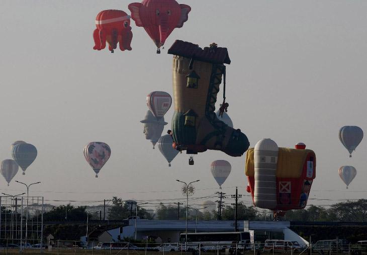 В зависимости от наполнения, различают монгольфьеры (шары, наполненные нагретым воздухом), шарльеры