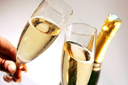 Один-два фужера  шампанского внеделю делают лучше  память— Ученые