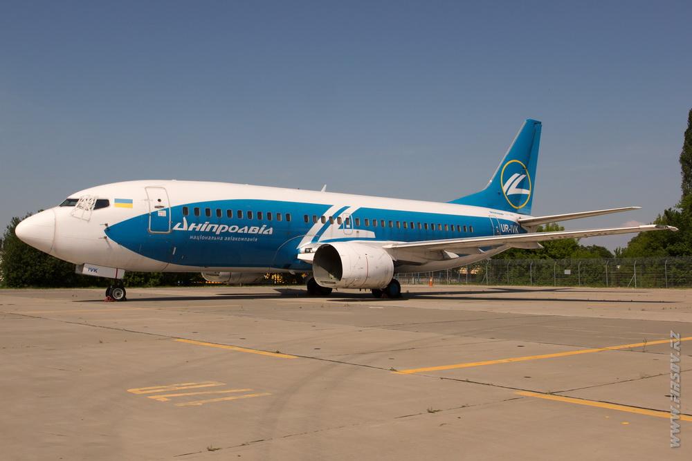B-737_UR-IVK_DniproAvia.JPG