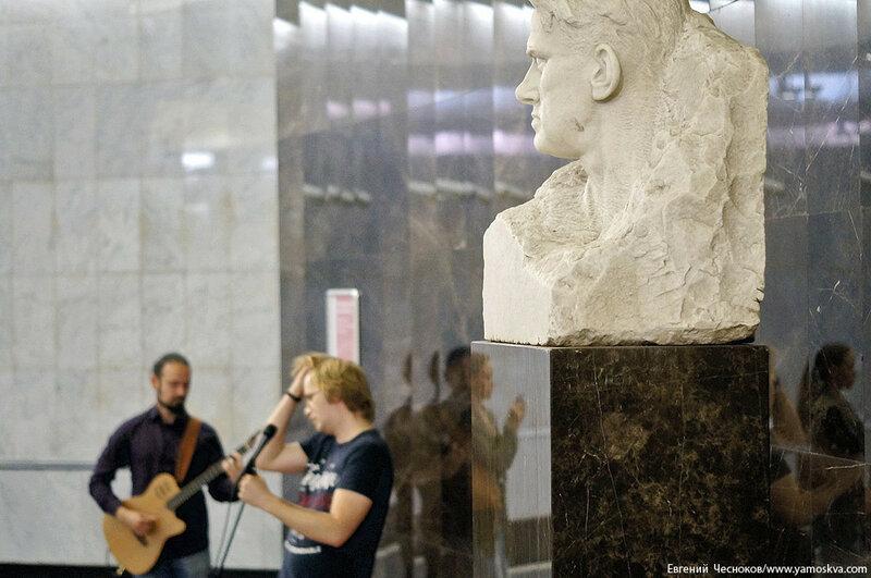 Поэзия в метро. Виктор Канаев. 19.07.17.07..jpg