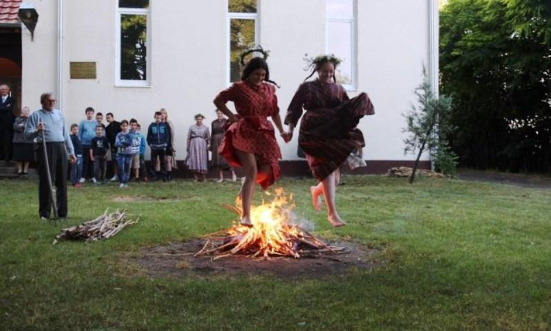Иваньска ватра.jpg